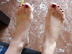 Amatriçe, Brunettes, Fétichisme des pieds