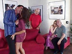 Fellation, Créampie, Sexe en groupe, MILF