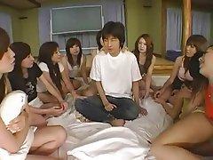 Assis sur le visage, Femme dominatrice, Gangbangs, Sexe en groupe